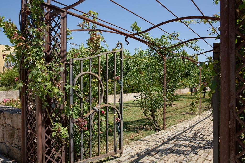 Portillon et arche de jardin frejus