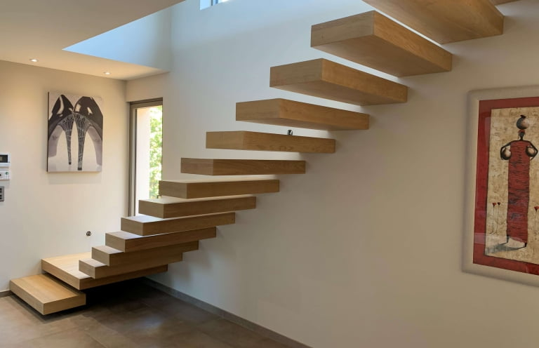 escalier suspendu savoirfer frejus